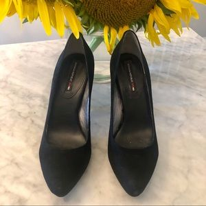 Banana  Republic Mad Men Black Suede Pumps